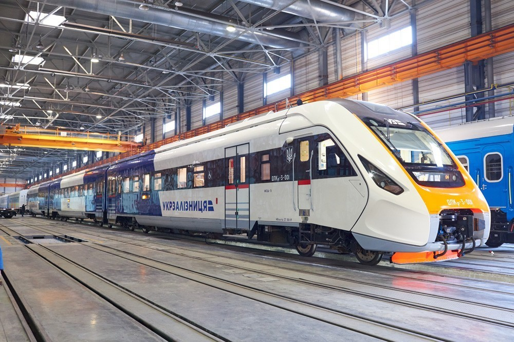 picture2 v ukraine uspeshn 362296 p0 - Какими преимуществами обладают поездки на пассажирских поездах?
